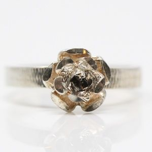 Jewelry - VINTAGE Sterling Silver Rose Flower Ring 7